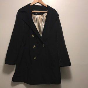 Liz Claiborne black 3/4 trench coat. Size M